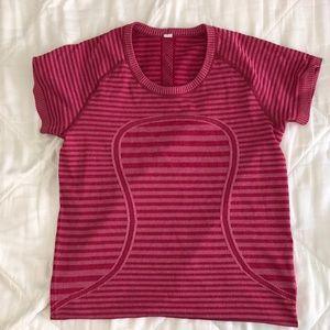 💥lululemon short sleeve-size 8